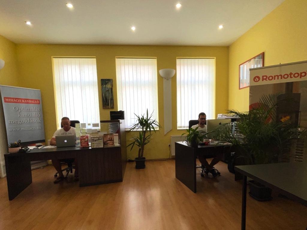 Kandallócenter irodai munka